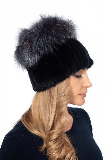 Ladies hat with mink leather